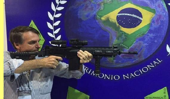 bolsonaro_arma